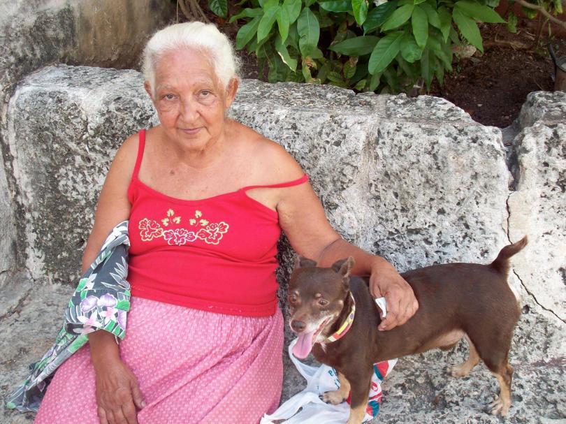 th_mulher y perro
